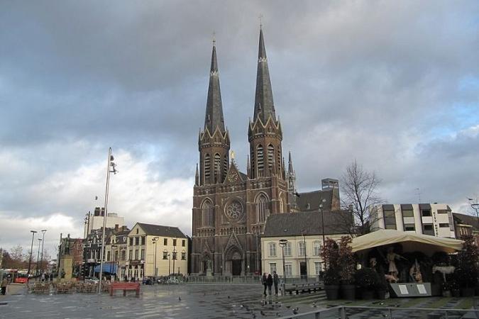 Порно съемки в церкви в голландии
